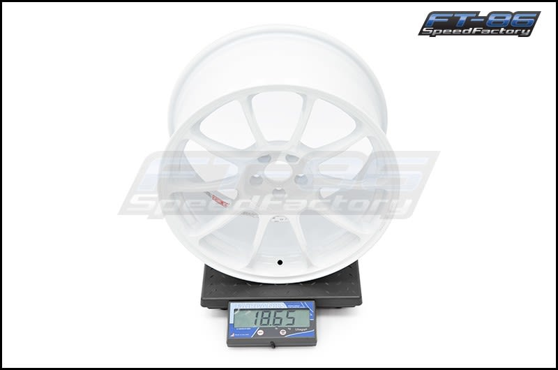 Rays ZE40 Dash White 18x9.5 +43 FT Scale