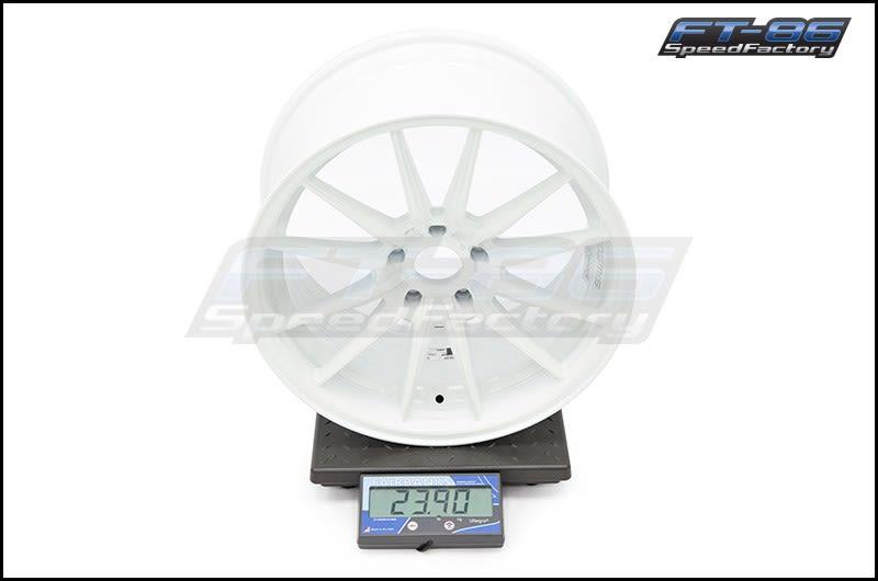 Cosmis Racing Wheels R1 18x9.5 +35mm White FT Scale